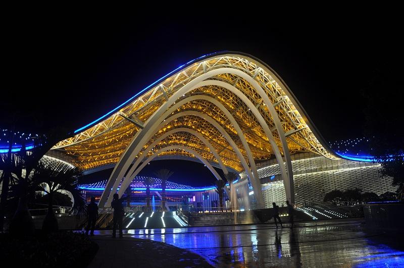 三亚海棠湾购物中心